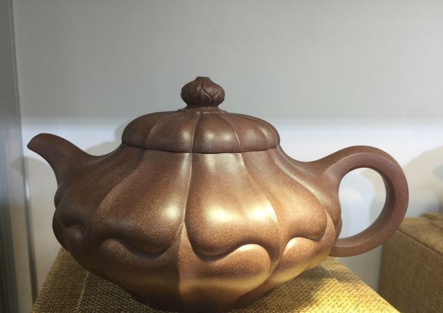 去除花俏装饰,回归素心素面的紫砂壶将越来越受欢迎
