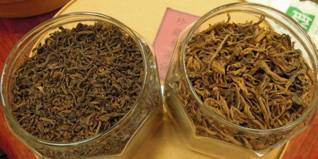 """左边是极品的宫廷"""" 芽尖"""" 古树早春所特制的熟散茶."""